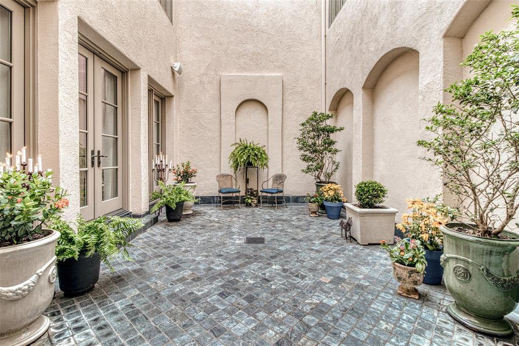 1743 Bolsover Street Property Photo