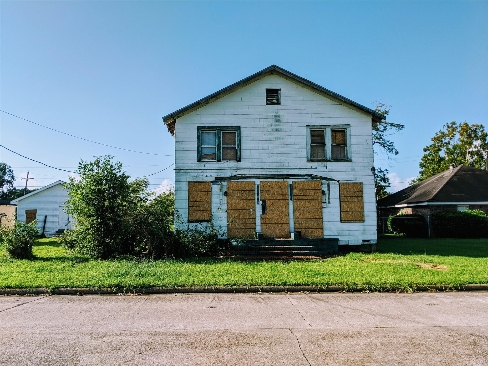 870 Jackson Street Property Photo - Beaumont, TX real estate listing