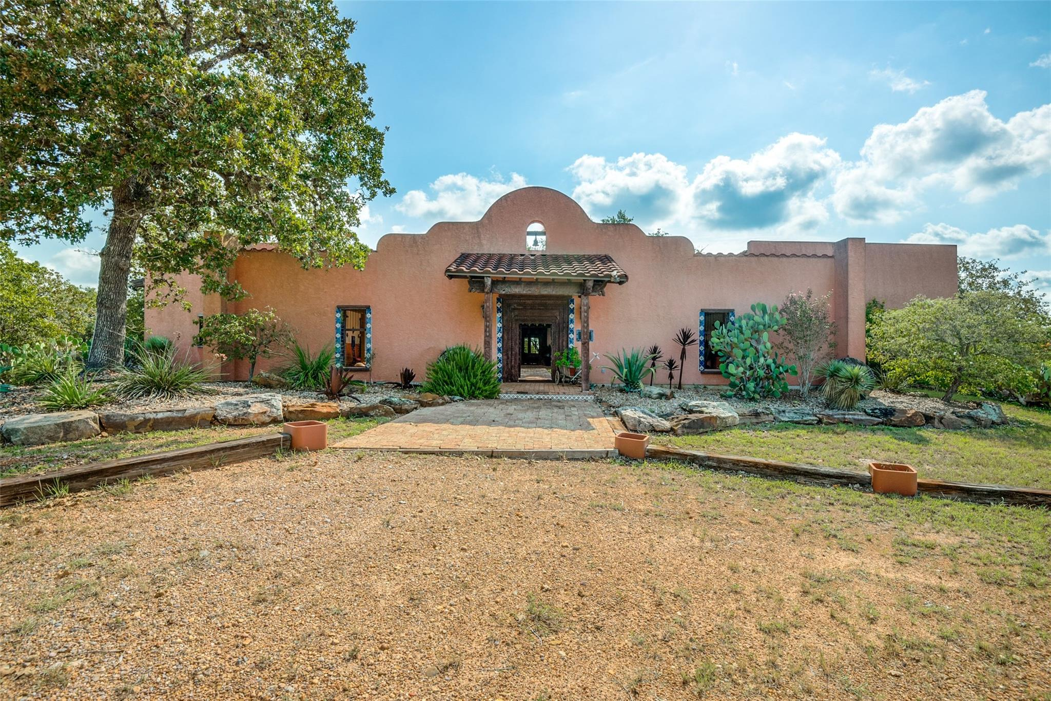1380 Lakeside Drive Property Photo - Cuero, TX real estate listing