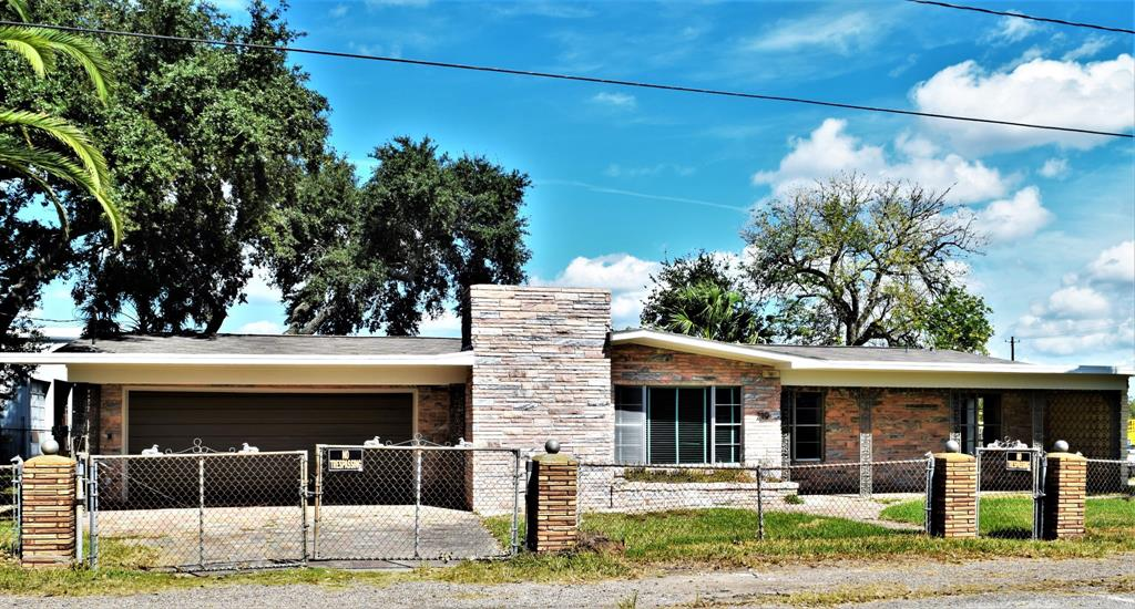 219 Cypress Property Photo - Hungerford, TX real estate listing