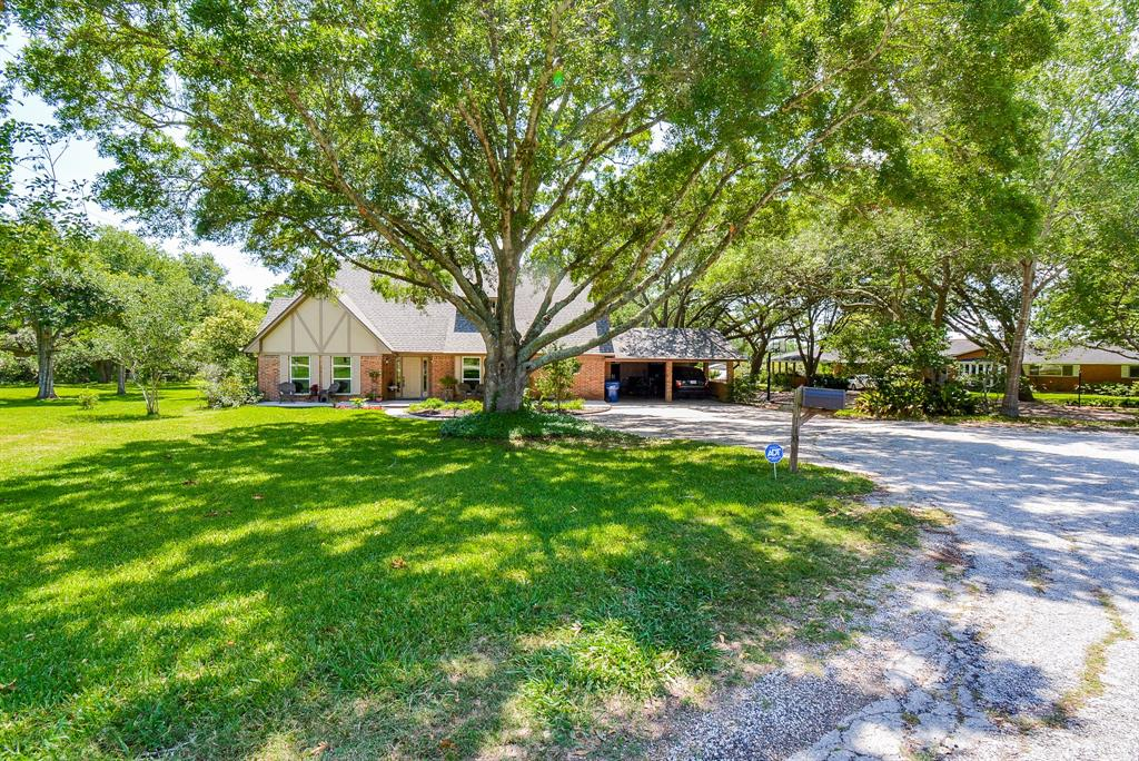 118 Laughlin Road Property Photo - Eagle Lake, TX real estate listing