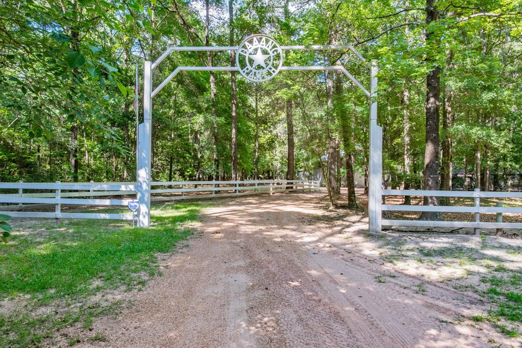7391 Fm 1725 Road Property Photo - Cleveland, TX real estate listing