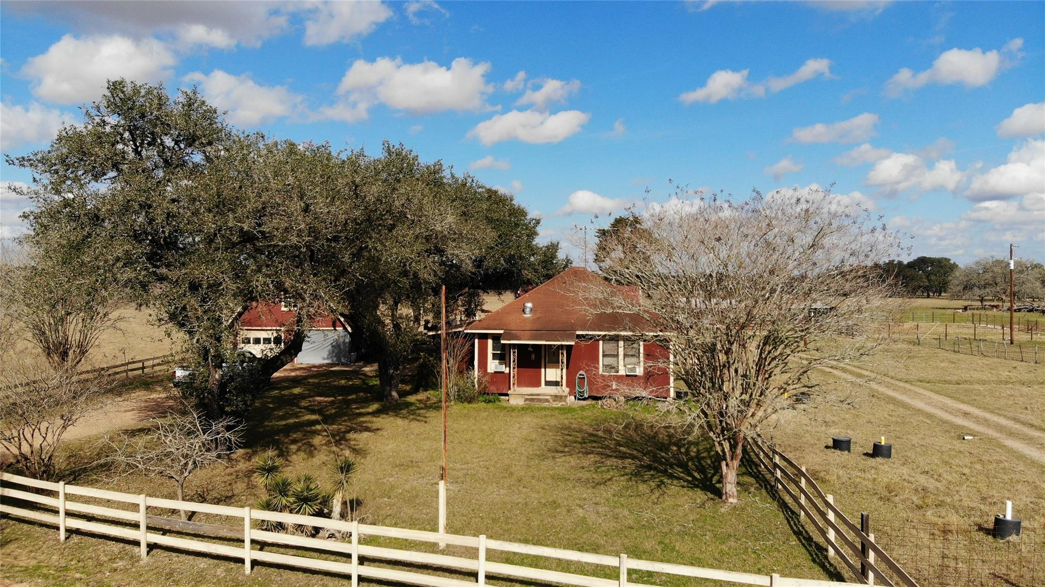 530 Private Road 4009 Property Photo