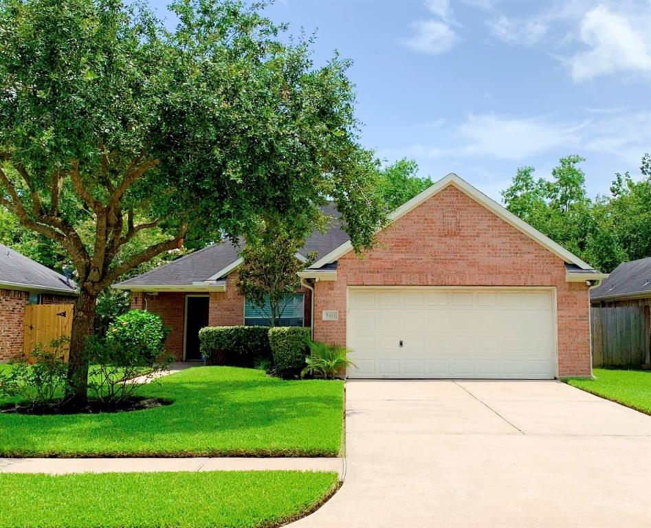 5421 Morgan Oak Drive Property Photo - Alvin, TX real estate listing
