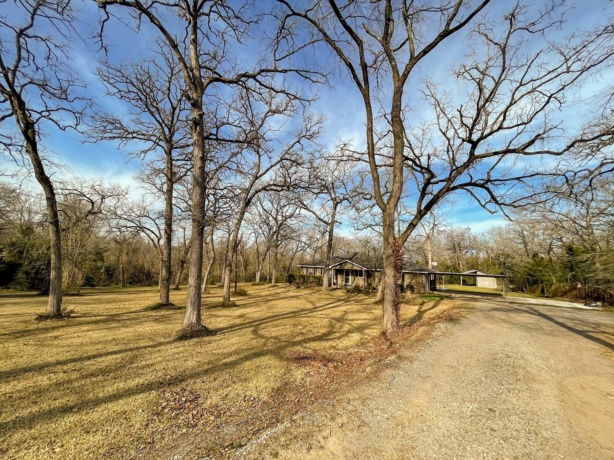 9398 CR 393 Property Photo - Jewett, TX real estate listing