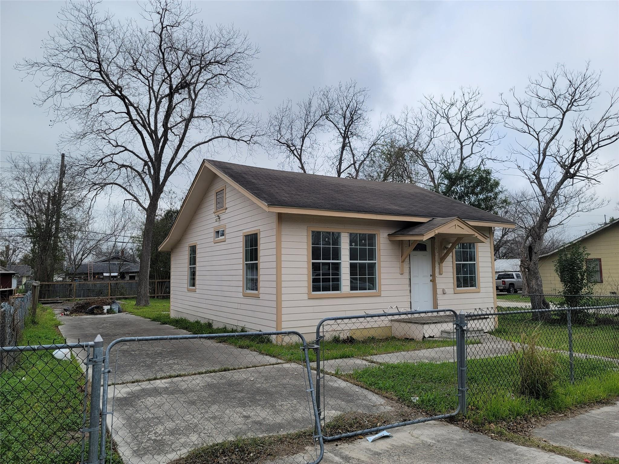 1718 Lennon Avenue Property Photo