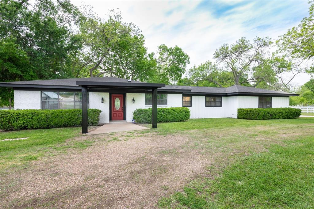 36703 Maverick Road Property Photo - Simonton, TX real estate listing