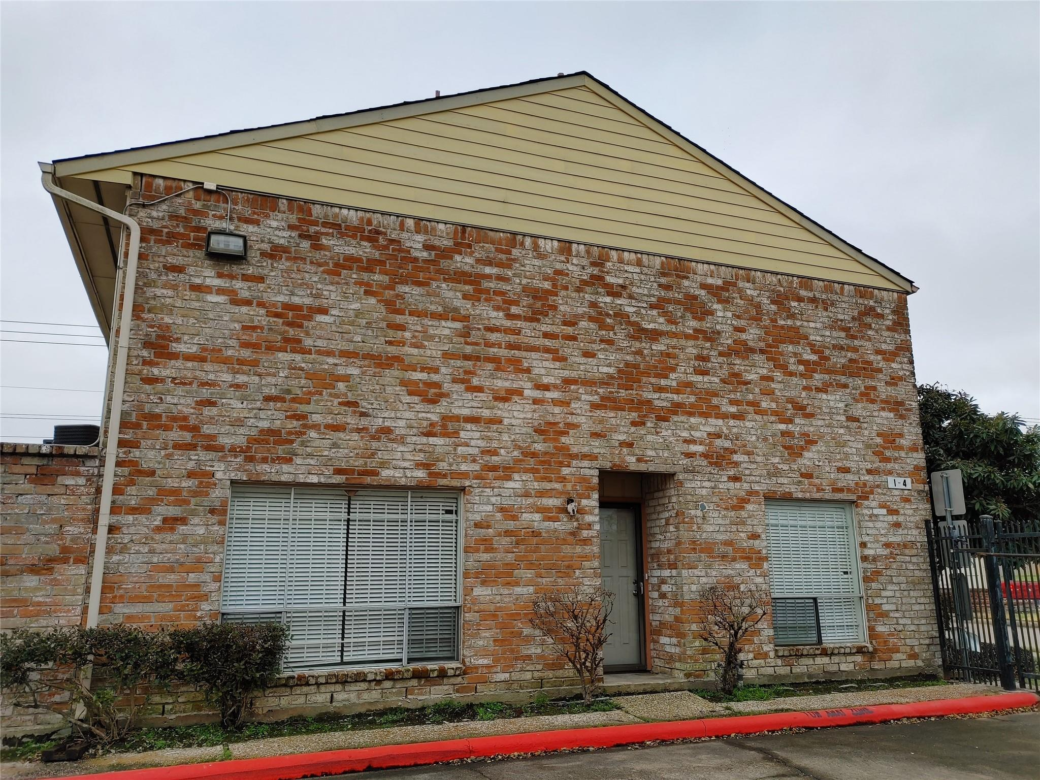 9200 W Bellfort Avenue #4 Property Photo - Houston, TX real estate listing