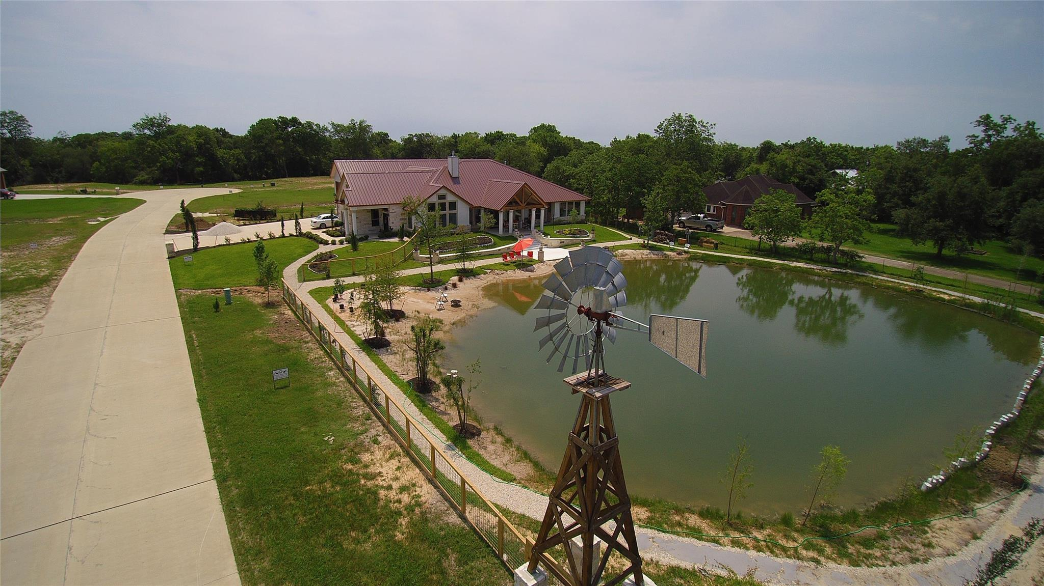 5701 Windmill Lane Property Photo - Dickinson, TX real estate listing