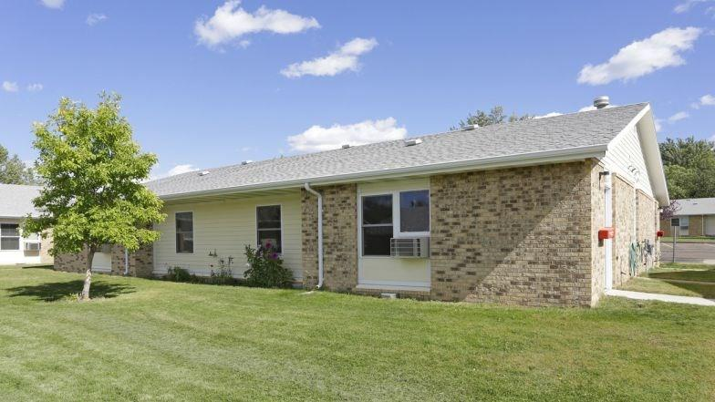 1043 Enterprise Avenue Property Photo - Dickinson, ND real estate listing