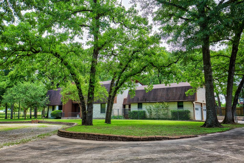 855 Berlin Road, Brenham, TX 77833 - Brenham, TX real estate listing