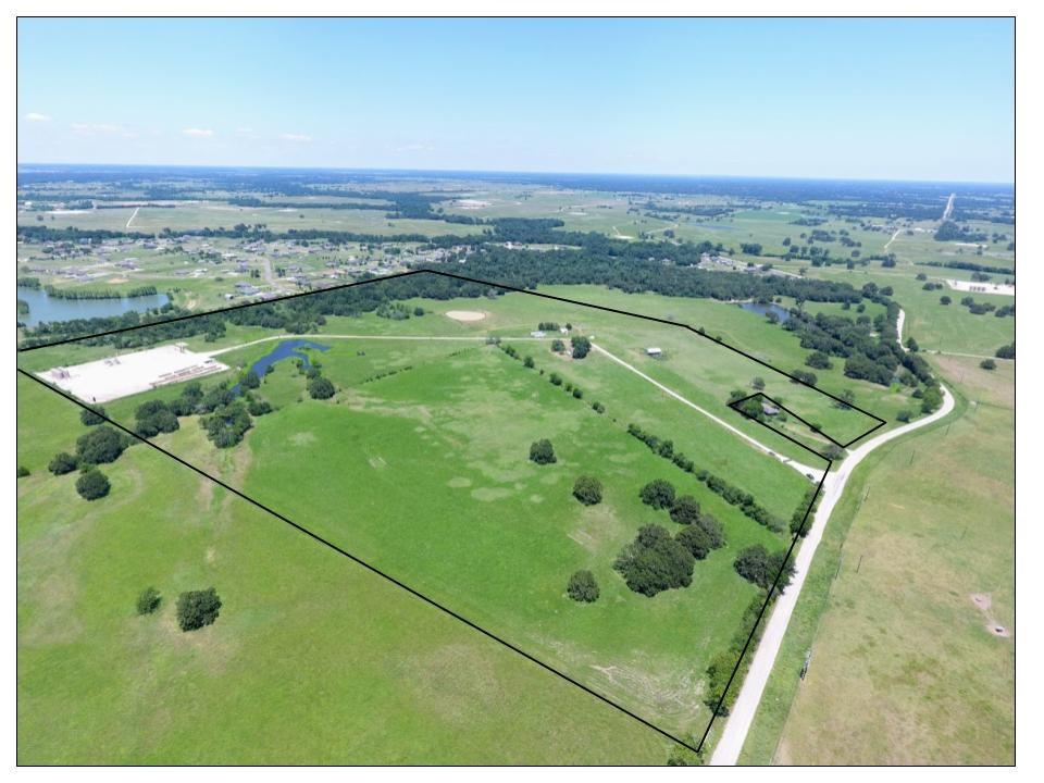 5223 Wilcox Lane Property Photo - Bryan, TX real estate listing