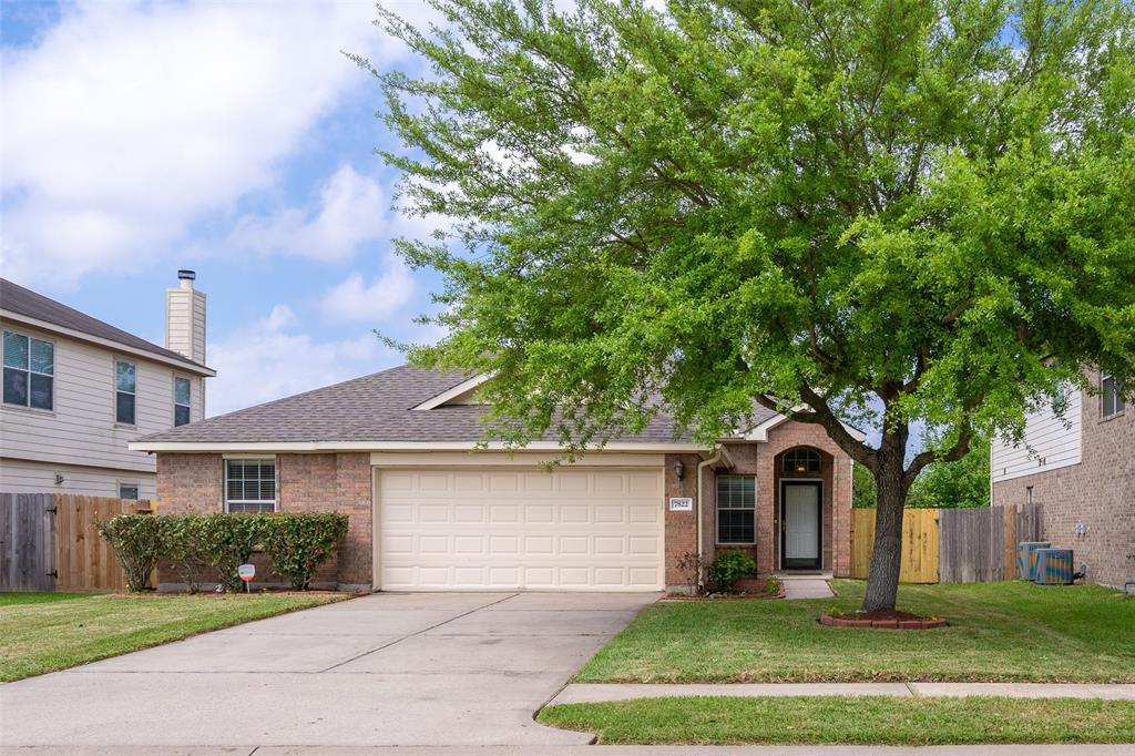 7822 Leaning Oak Drive, Texas City, TX 77591 - Texas City, TX real estate listing