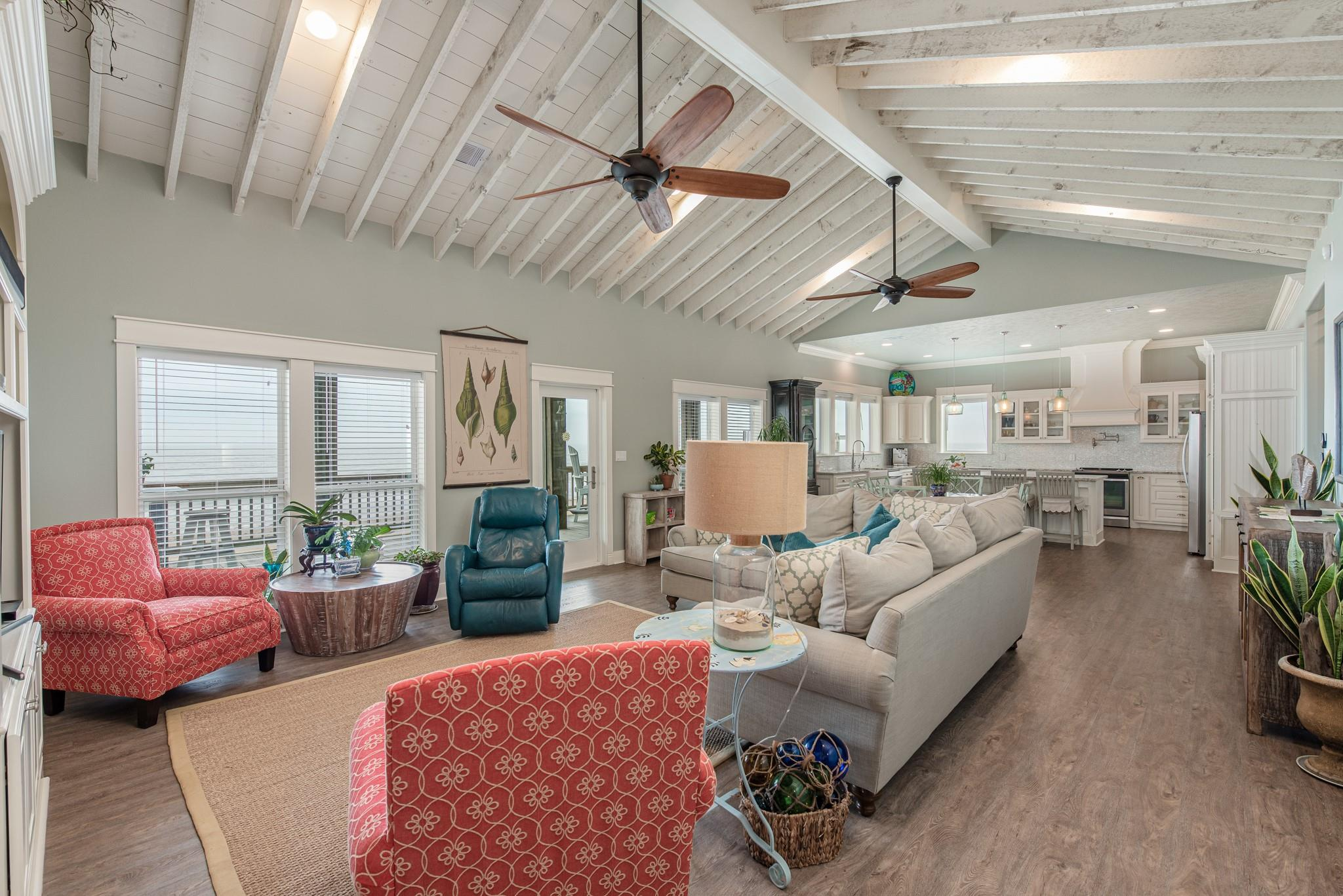 1118 Blue Water Drive Property Photo - Crystal Beach, TX real estate listing
