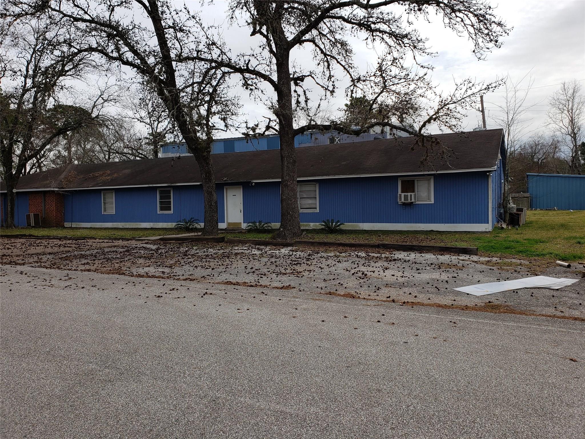 15519 Silver Ridge Drive Property Photo - Houston, TX real estate listing
