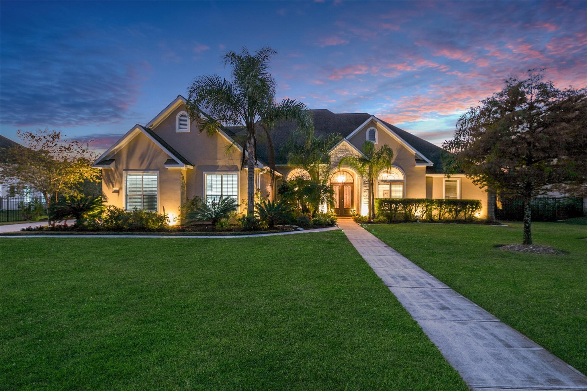 5314 Forest Cove Drive Property Photo - Dickinson, TX real estate listing