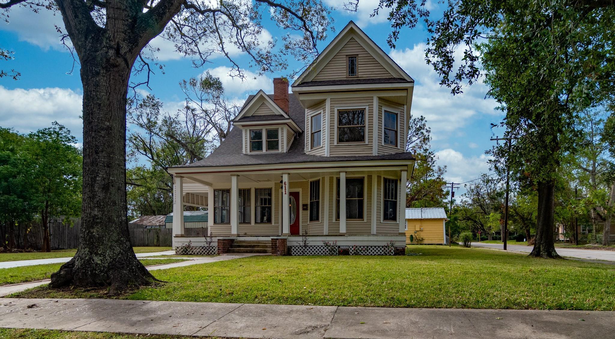 611 West Orange Avenue Property Photo