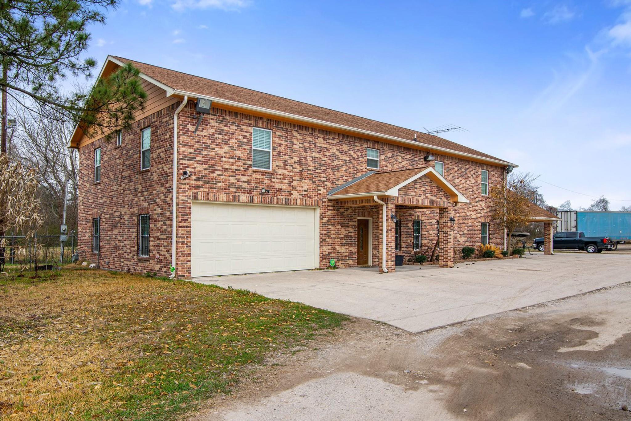 1424 & 1426 N Market Loop Baytown Texas 77521, Baytown