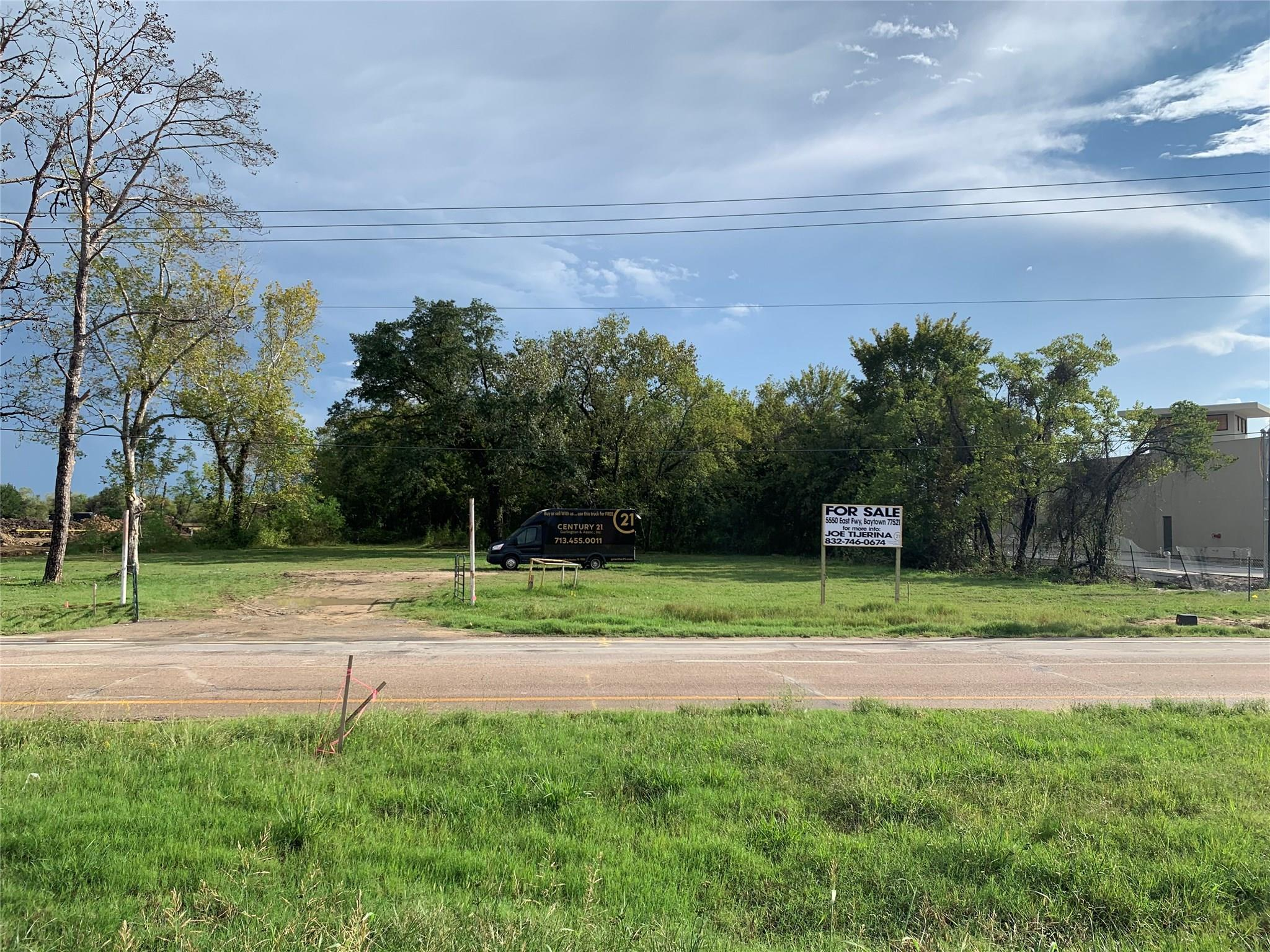 5550 EAST FWY Property Photo - Baytown, TX real estate listing