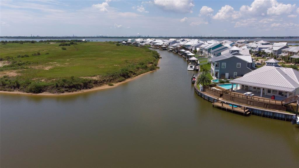 1309 Highbourne Cay Court Property Photo - Texas City, TX real estate listing