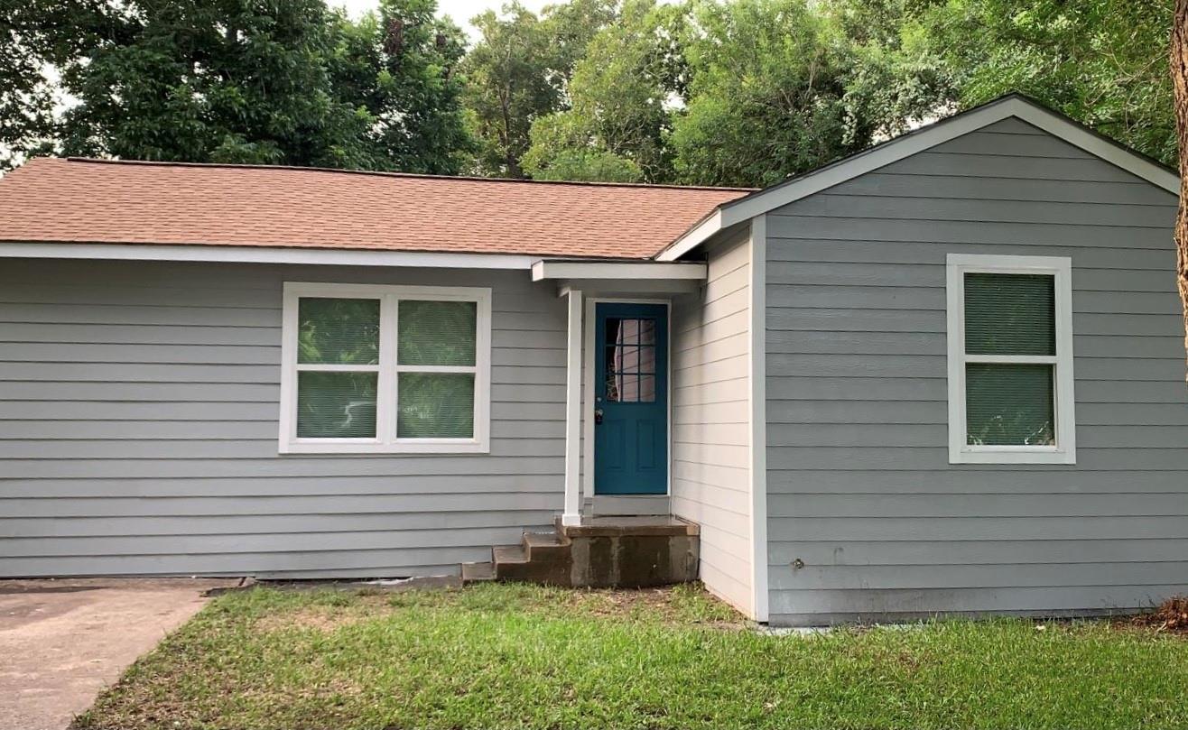 1608 E Rosebud Avenue Property Photo