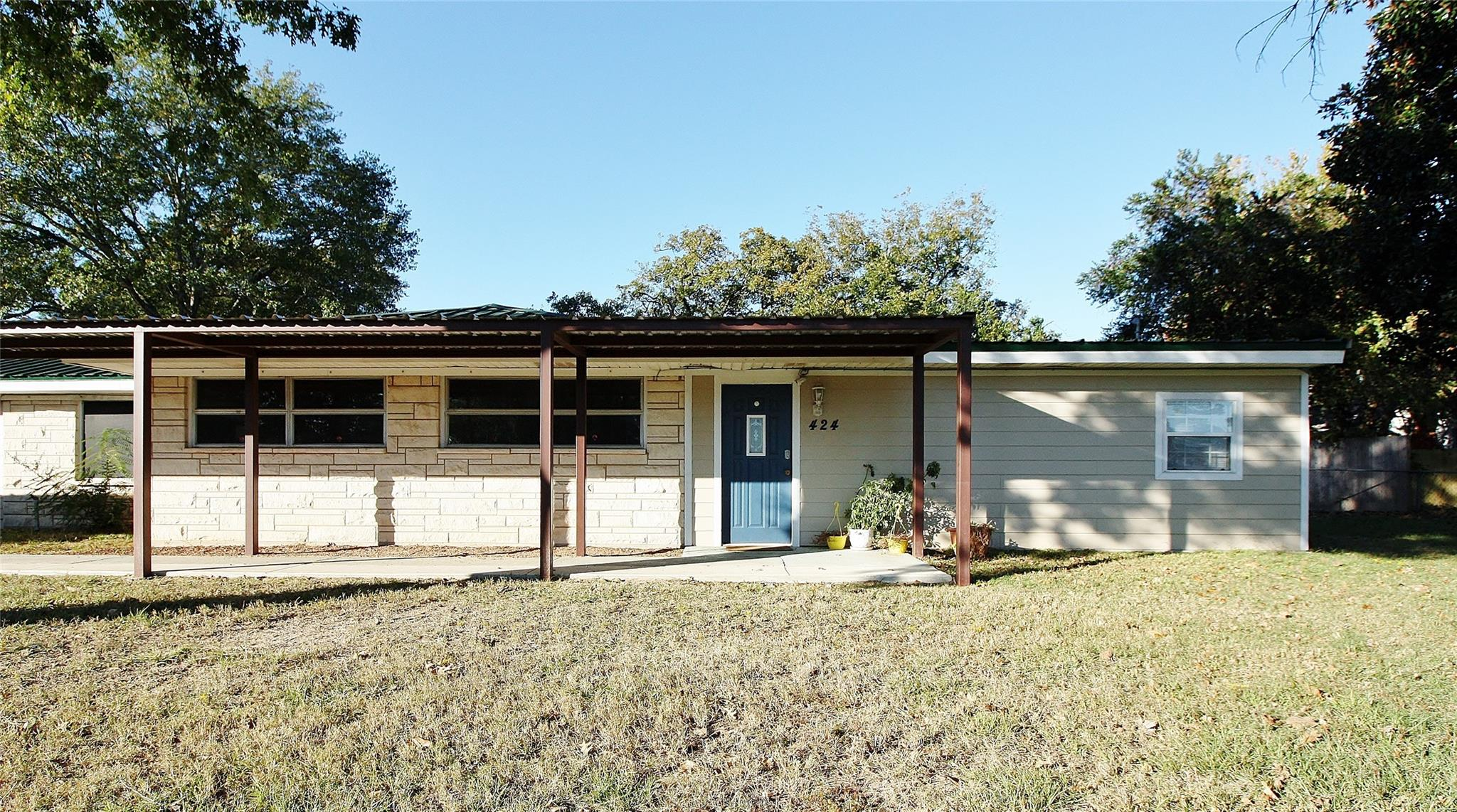 424 Donie Road Property Photo - Buffalo, TX real estate listing