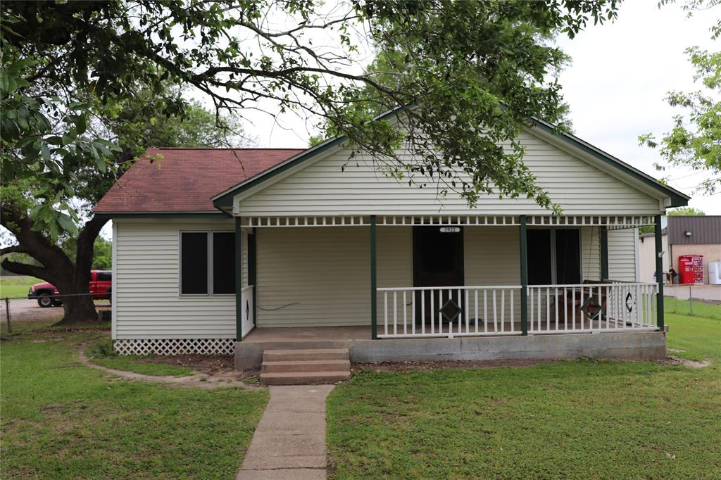 5922 5th Street Property Photo - Danbury, TX real estate listing