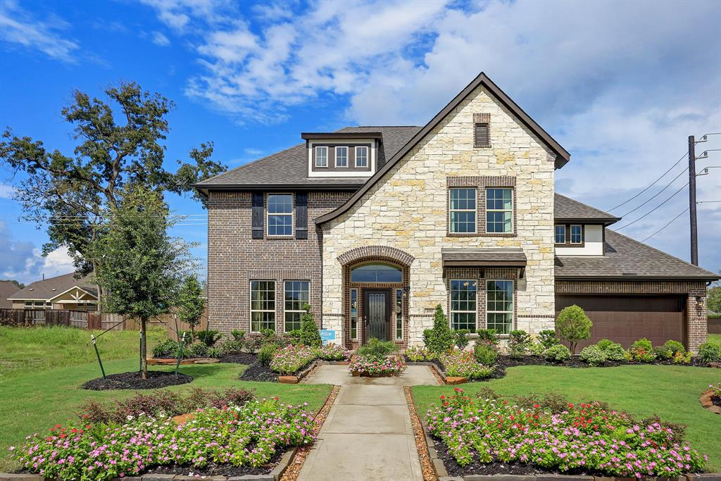200 Bentwater Lane, Clute, TX 77531 - Clute, TX real estate listing