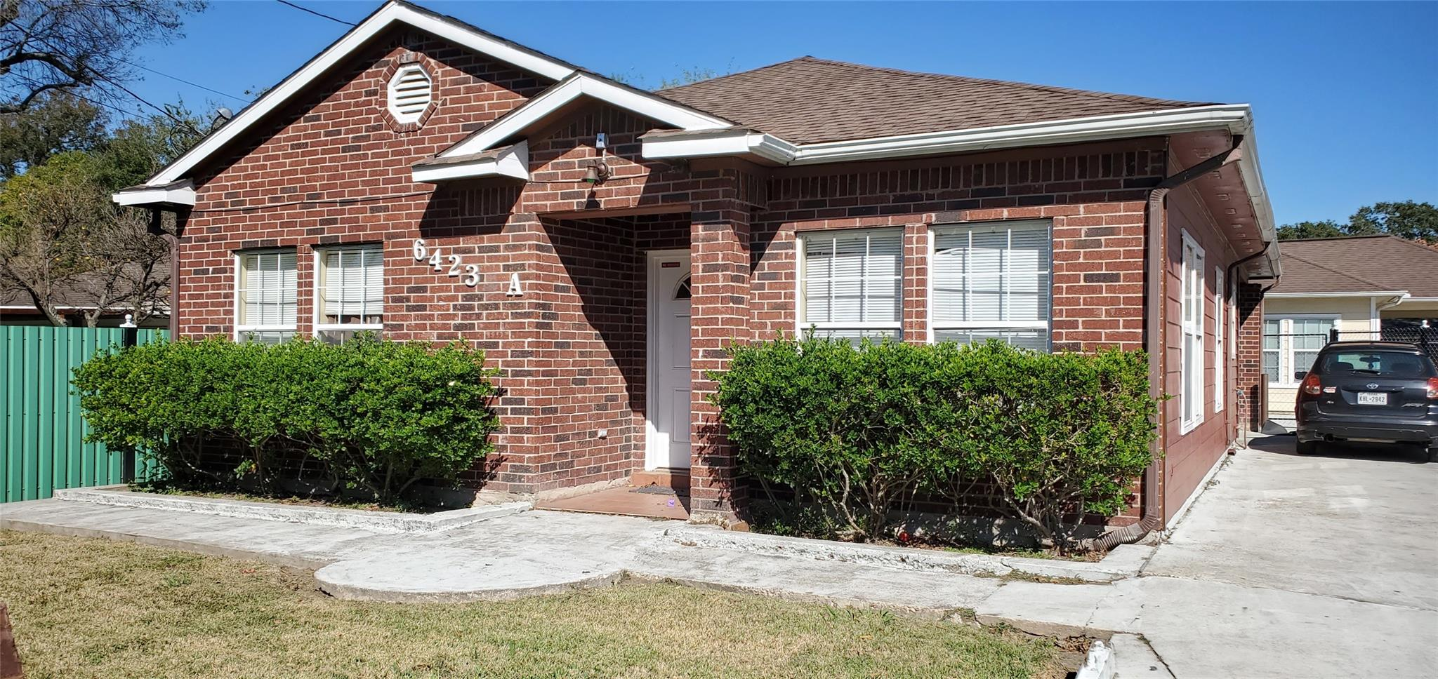 6423 Sloan Street Property Photo - Houston, TX real estate listing