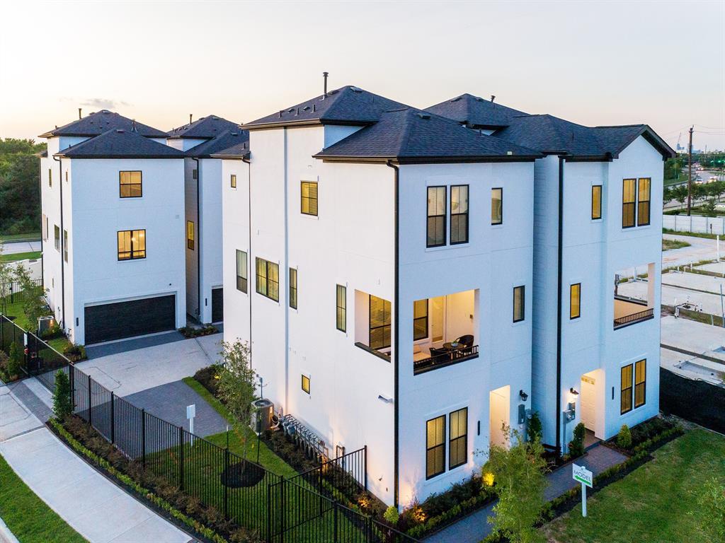 2816 Grand Fountains Drive #B, Houston, TX 77054 - Houston, TX real estate listing