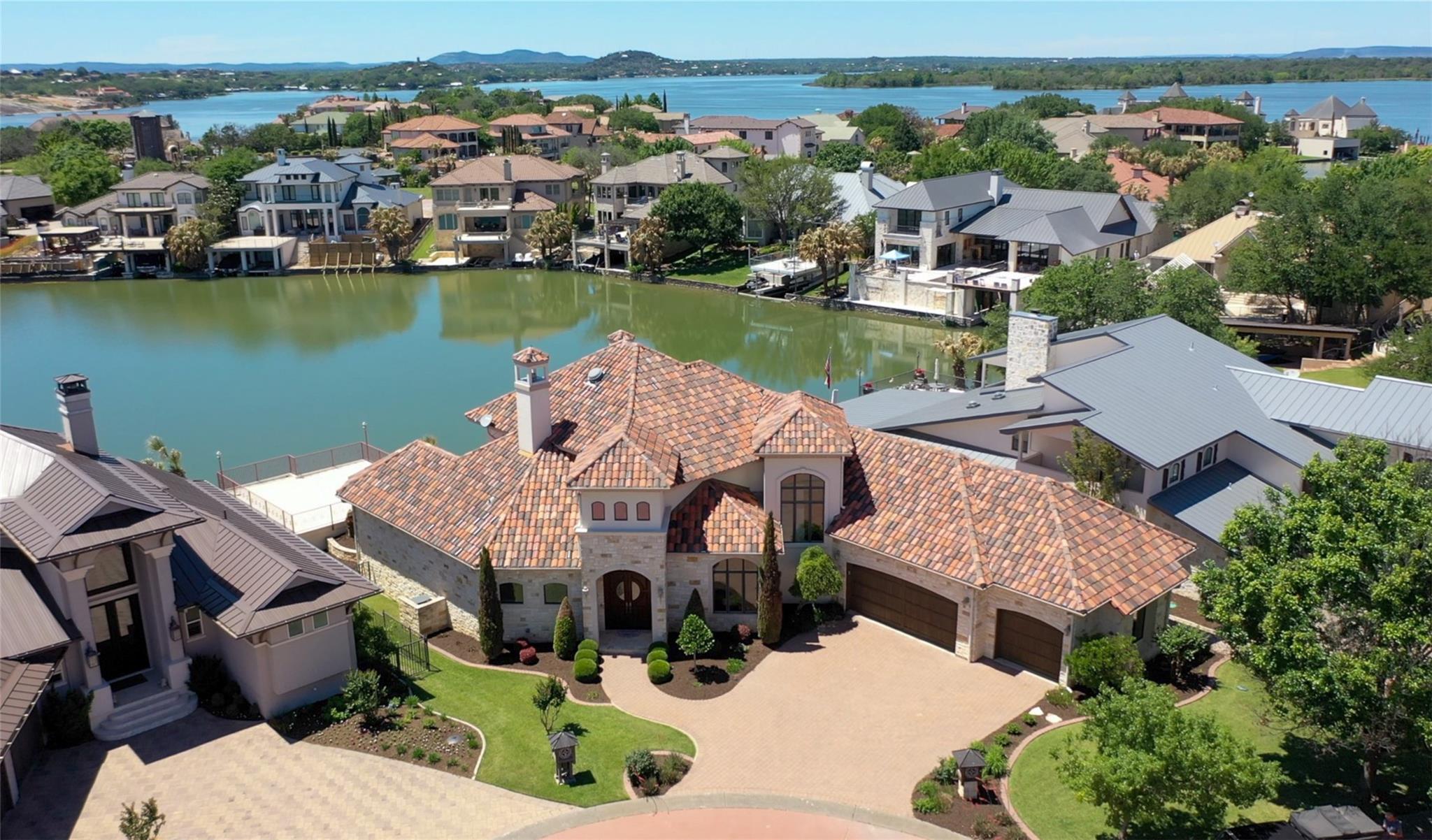 26 Applehead Island Drive Property Photo - Horseshoe Bay, TX real estate listing