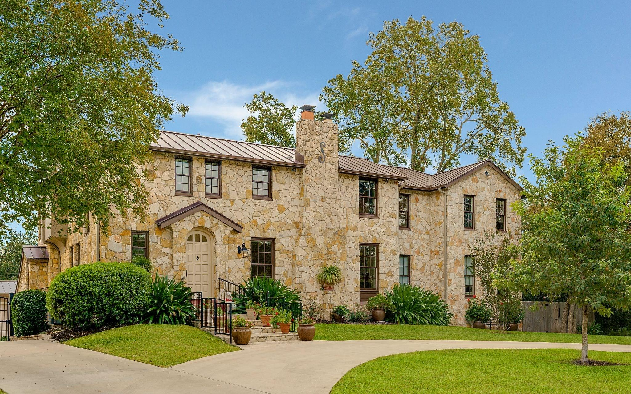 108 Gatewood Court Property Photo - Terrell Hills, TX real estate listing