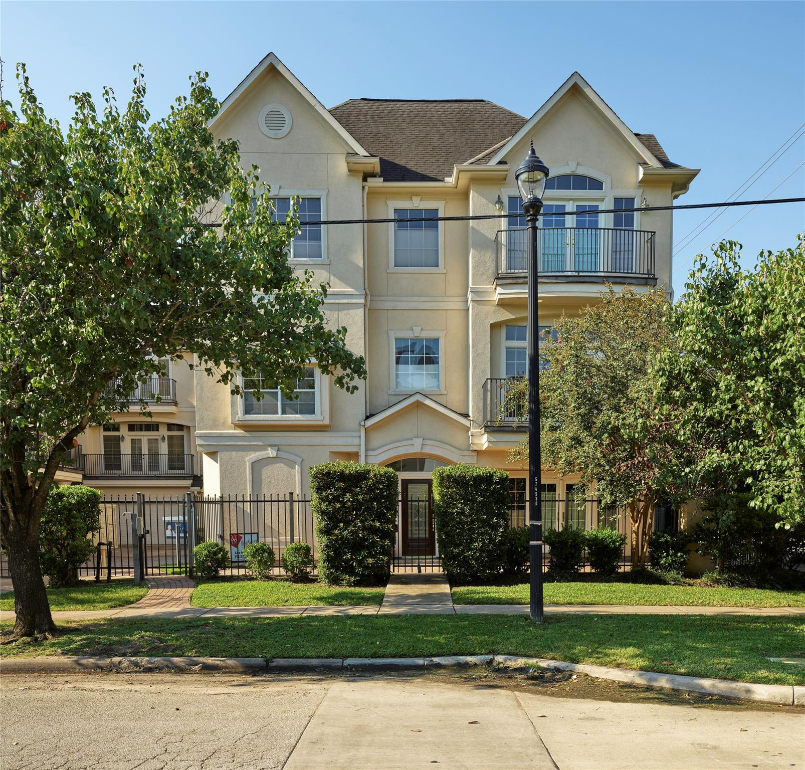 402 Hadley Street Property Photo