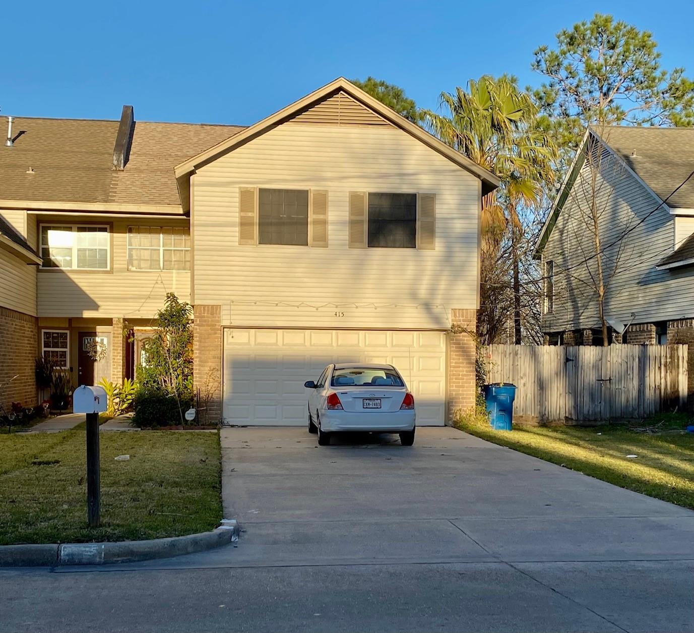 415 S Austin Street Property Photo