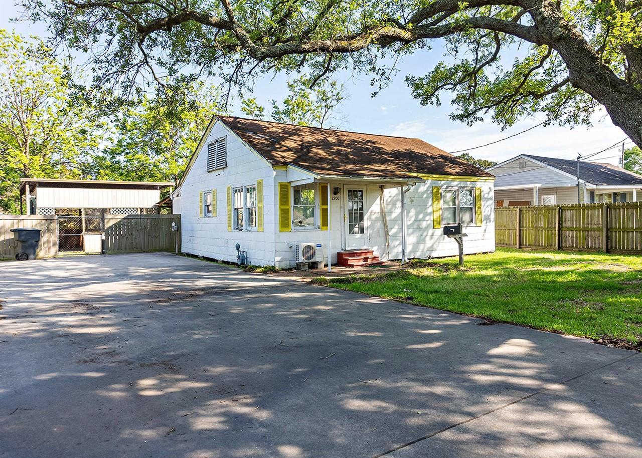 7200 Leonard Street Property Photo - Groves, TX real estate listing