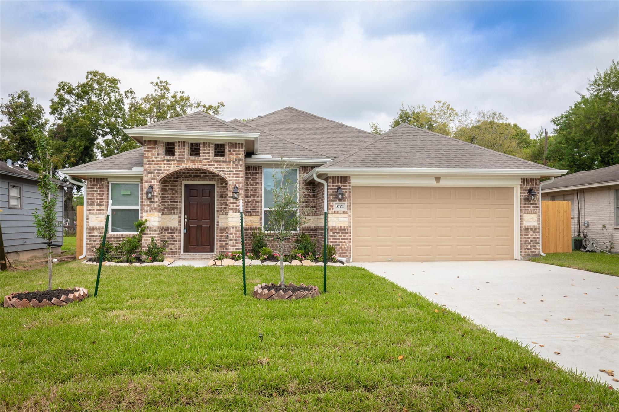3701 Dawson Lane Property Photo - Houston, TX real estate listing