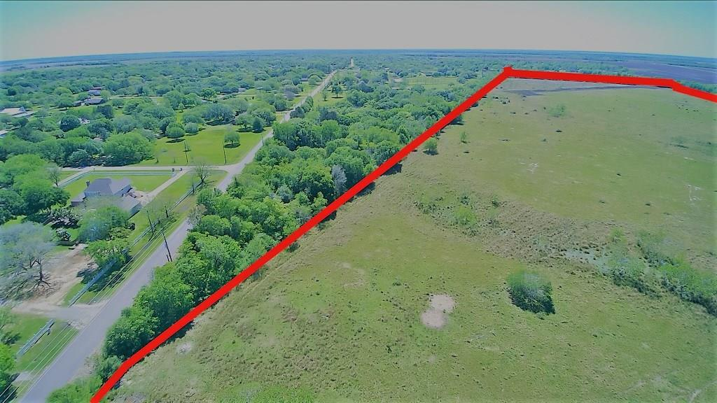 9916 Hanselman Road Property Photo - Manvel, TX real estate listing