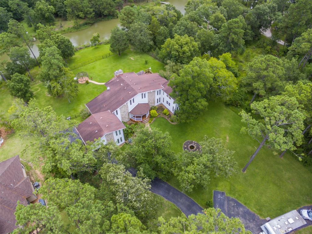1010 N Country Club Drive Property Photo - Shoreacres, TX real estate listing