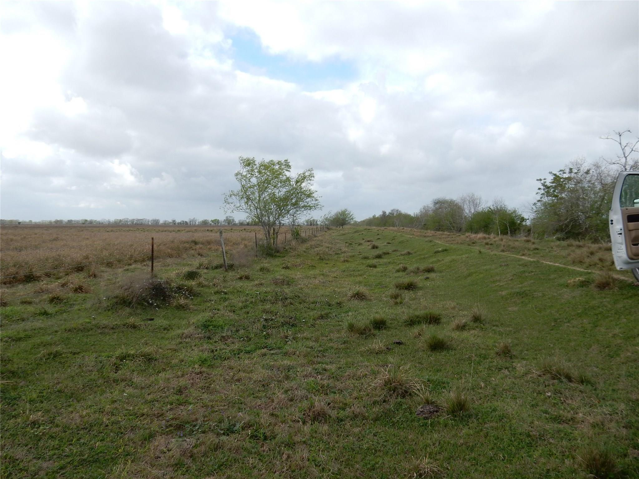 0 Meadow Lark Property Photo - Van Vleck, TX real estate listing