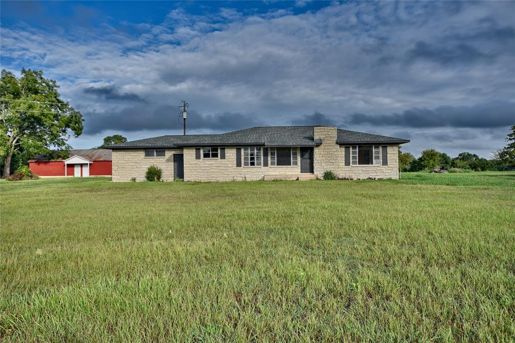 927 State Highway 237, Fayetteville, TX 78940 - Fayetteville, TX real estate listing