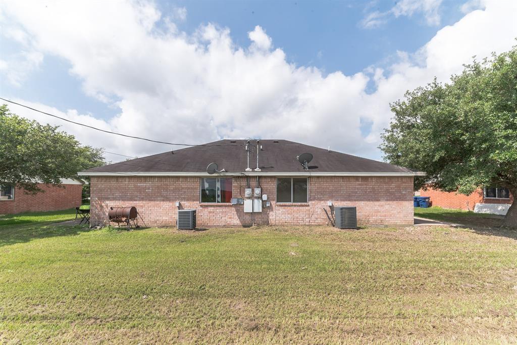 209 Hunters Lane, Eagle Lake, TX 77434 - Eagle Lake, TX real estate listing
