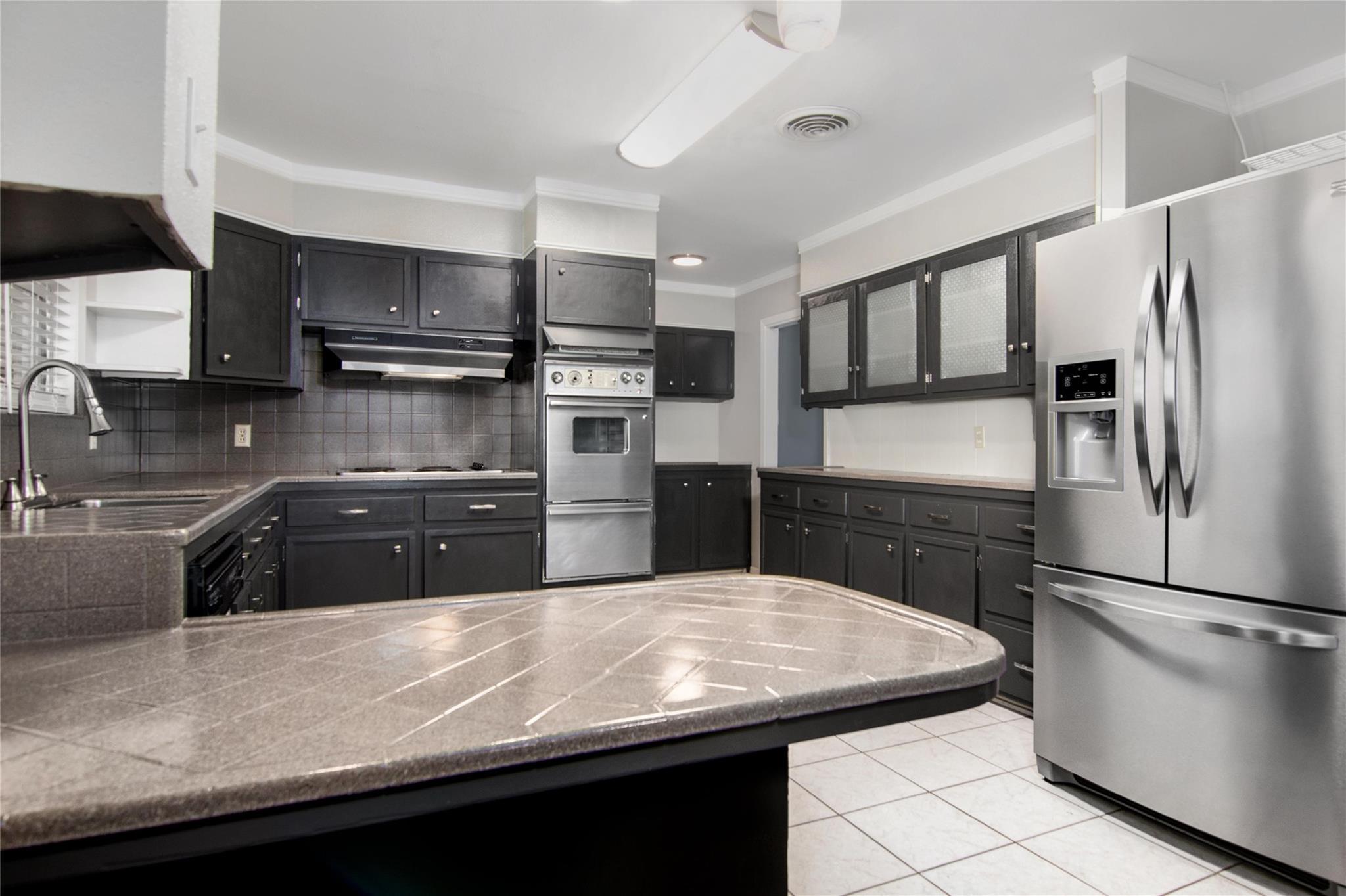 3037 Lay Avenue Property Photo