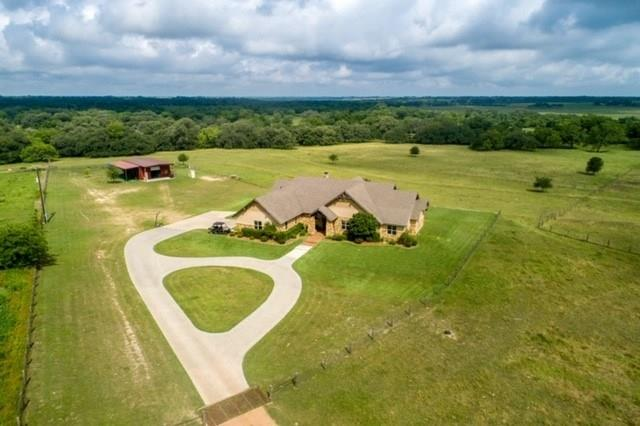 1682 County Road 310 Property Photo - Yoakum, TX real estate listing
