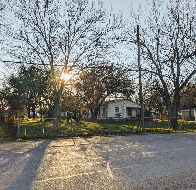 3227 S 3rd Street Property Photo - Waco, TX real estate listing