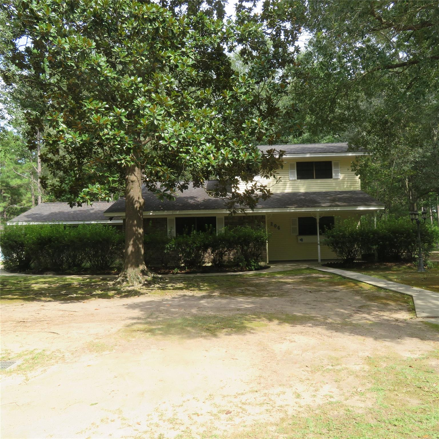 206 FIR Street Property Photo - Village Mills, TX real estate listing