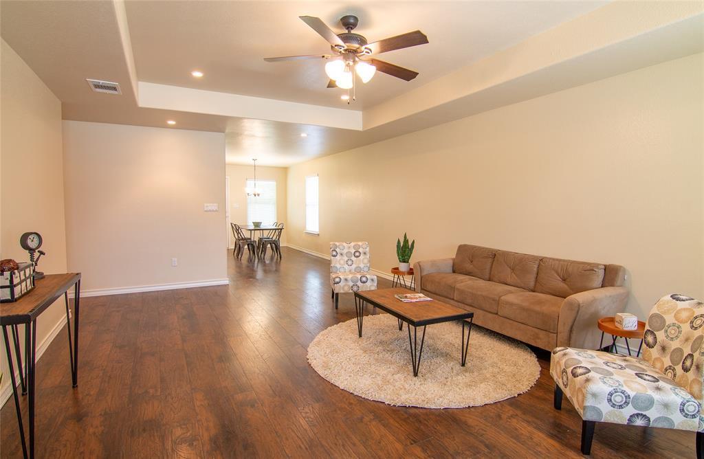 370 Edgewood Avenue Property Photo - Giddings, TX real estate listing
