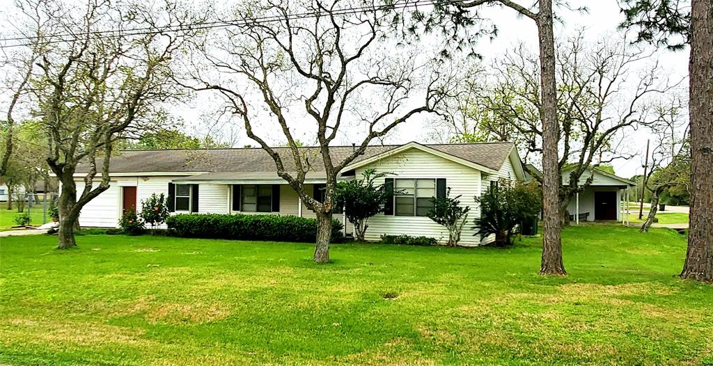 1402 Avenue H, Danbury, TX 77534 - Danbury, TX real estate listing