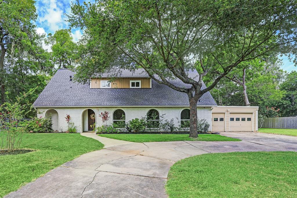 15602 Wandering Trail Property Photo - Friendswood, TX real estate listing