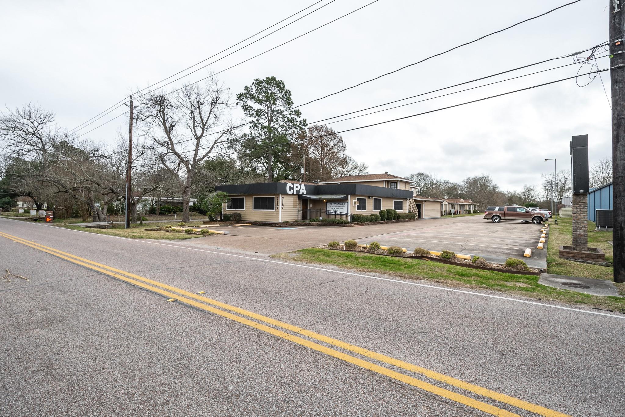 717 Cedar Bayou Road Property Photo - Baytown, TX real estate listing