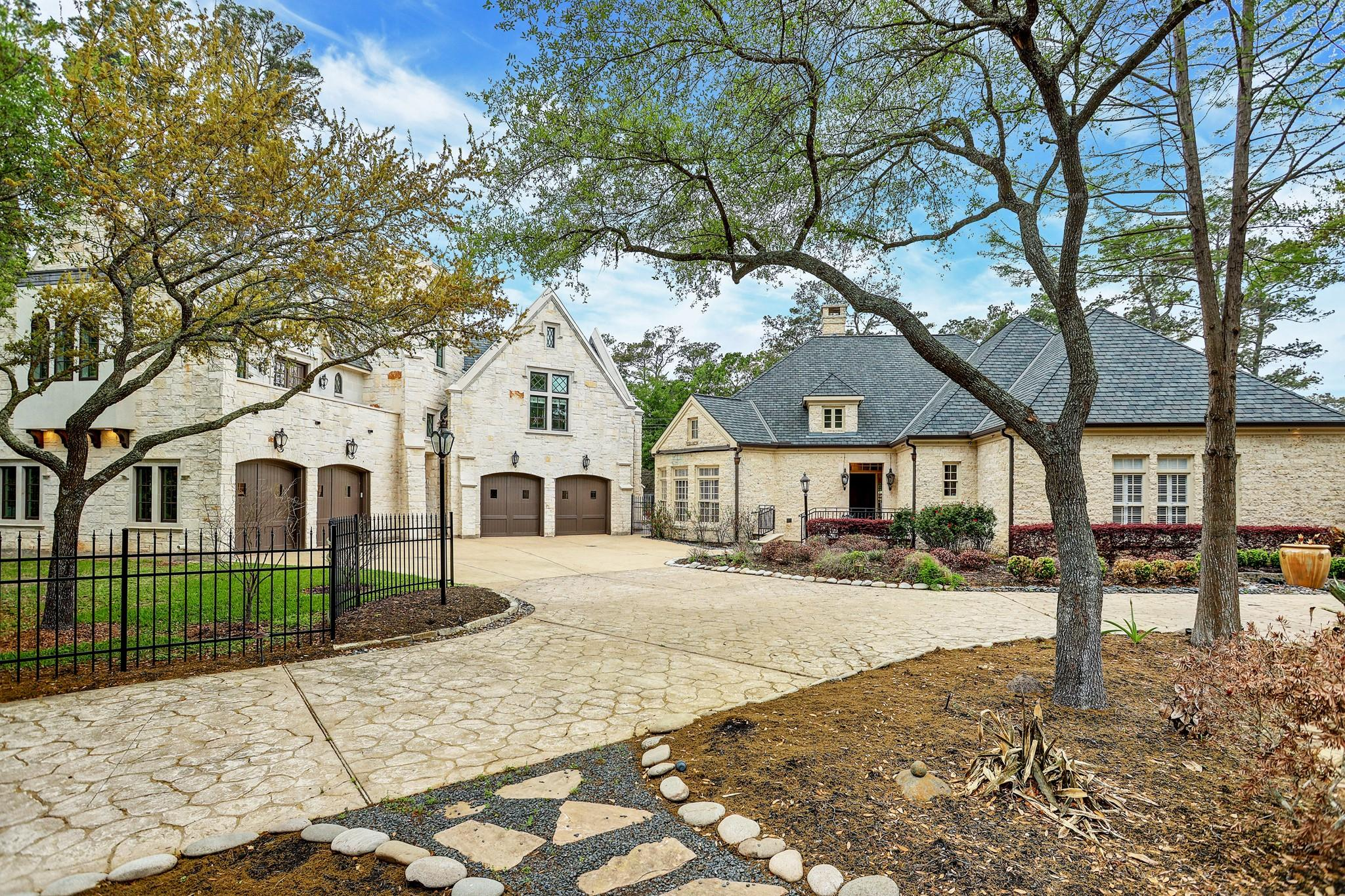 728 Crestbend Drive Property Photo - Houston, TX real estate listing